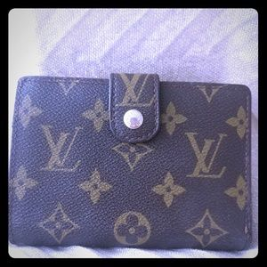 Louis Vuitton Kisslock Brown Monogram Wallet .